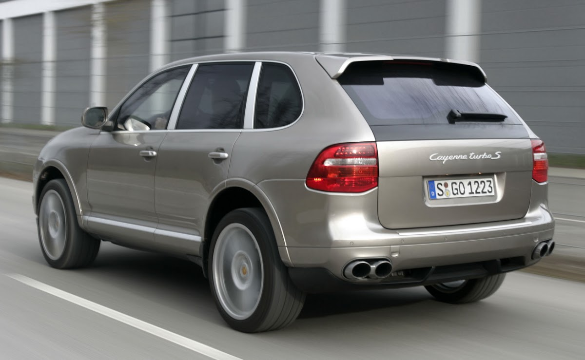 550hp porsche cayenne turbo s unveiled in beijing carscoops. Black Bedroom Furniture Sets. Home Design Ideas
