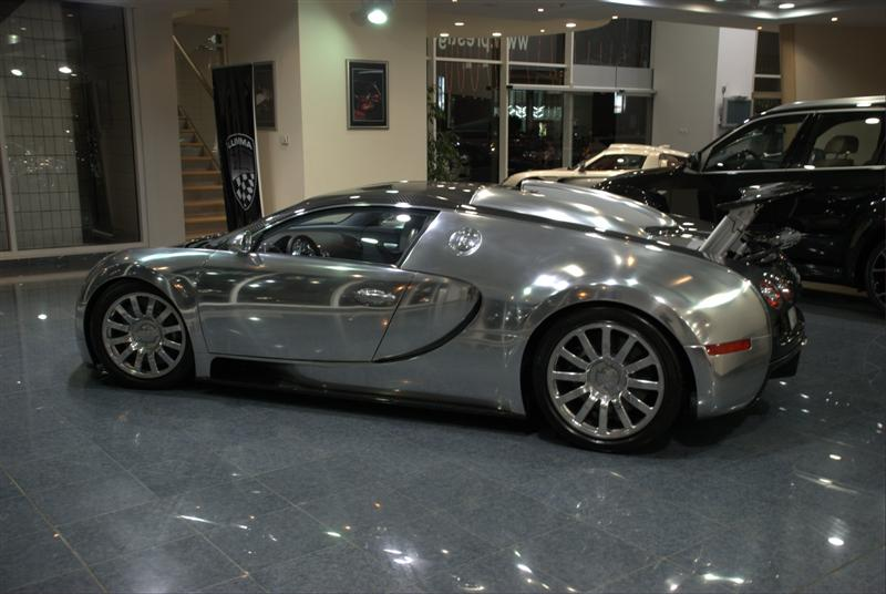 Mirror Shiny Bugatti Veyron 16 4 Up For Sale In Abu Dhabi Carscoops