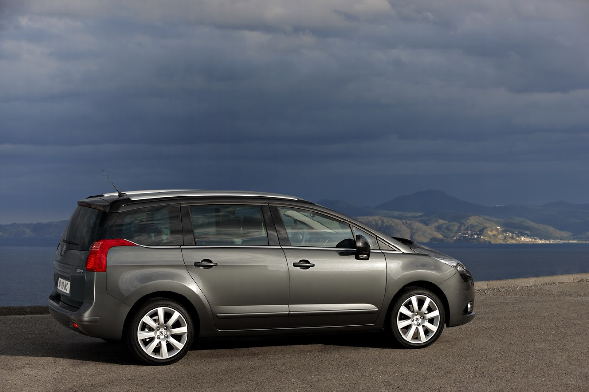new peugeot 5008 official details and high res gallery of 7 seater mpv carscoops
