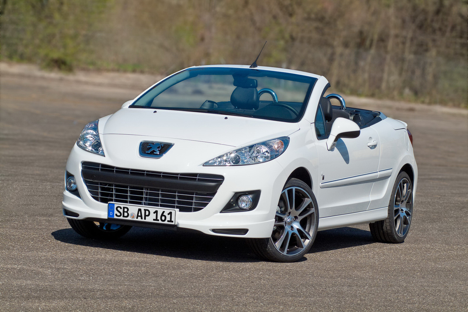 New Peugeot 207cc Black White Special Edition Carscoops