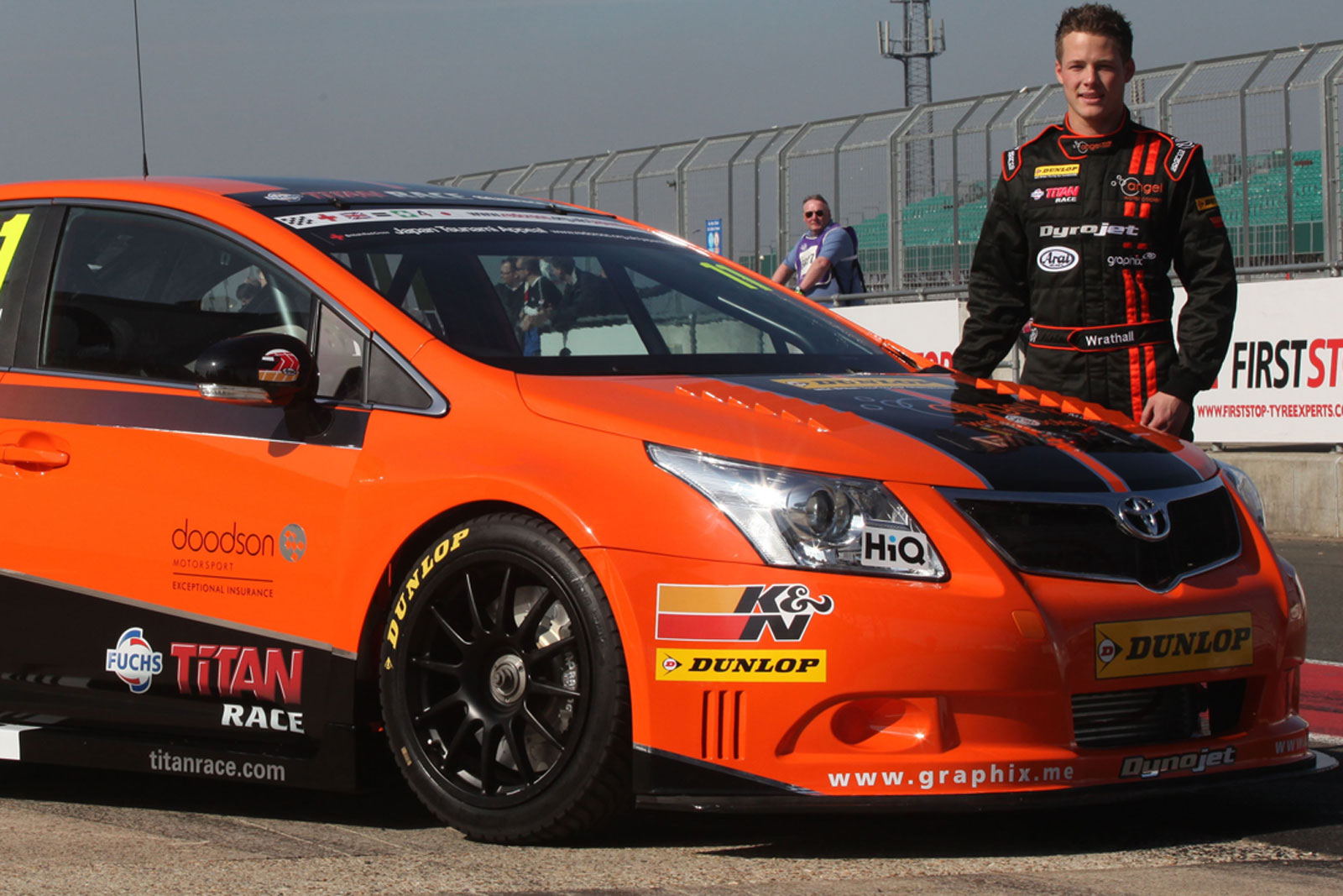 New 300HP Toyota Avensis BTCC Racer Revealed in the Flesh [with Video] | Carscoops