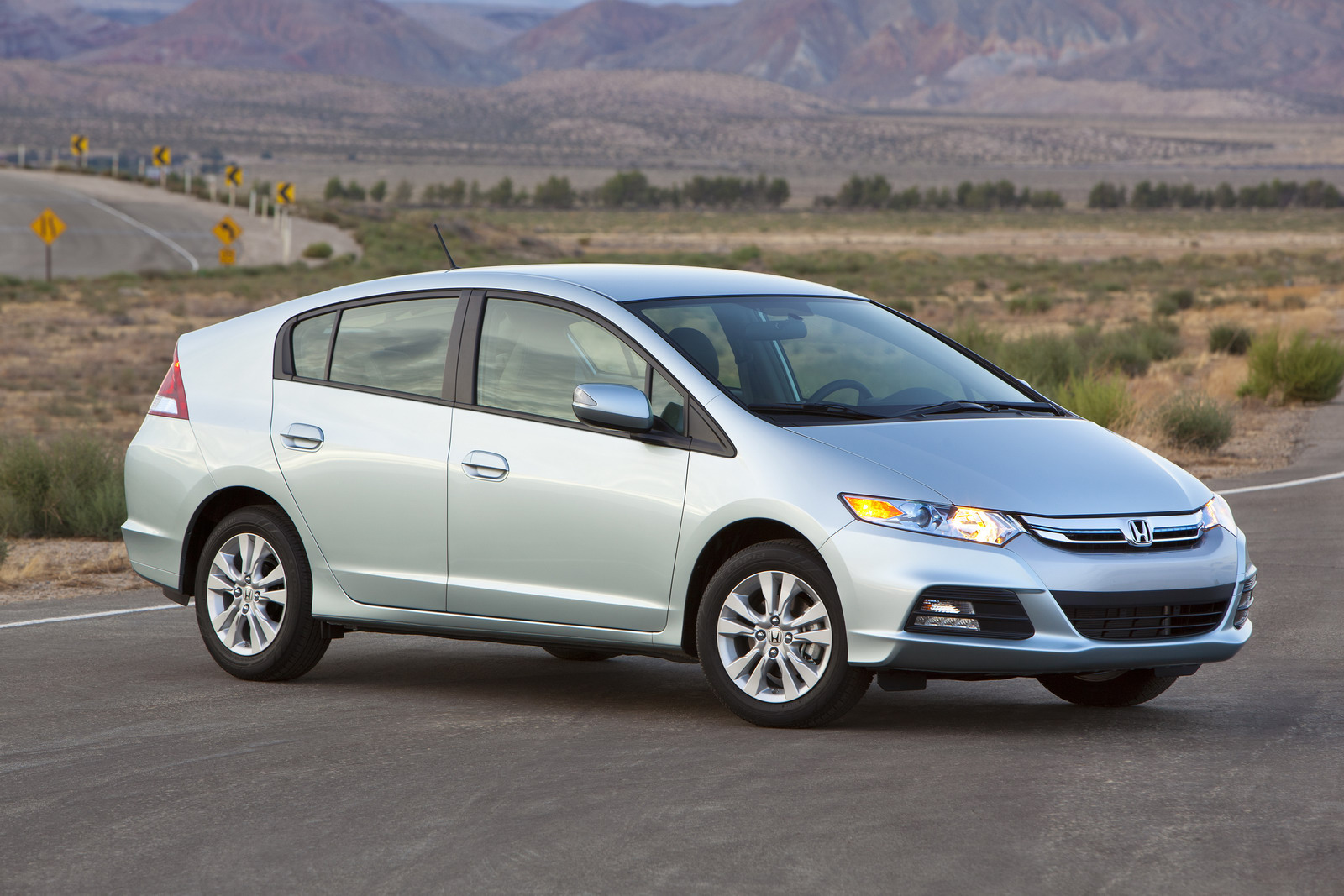 Honda Introduces 2012 Insight Hybrid With Slightly Improved Fuel 2011 Engine Diagram Photo Gallery
