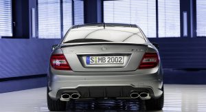 Mercedes-Benz-C-63-AMG-Edition-507-17