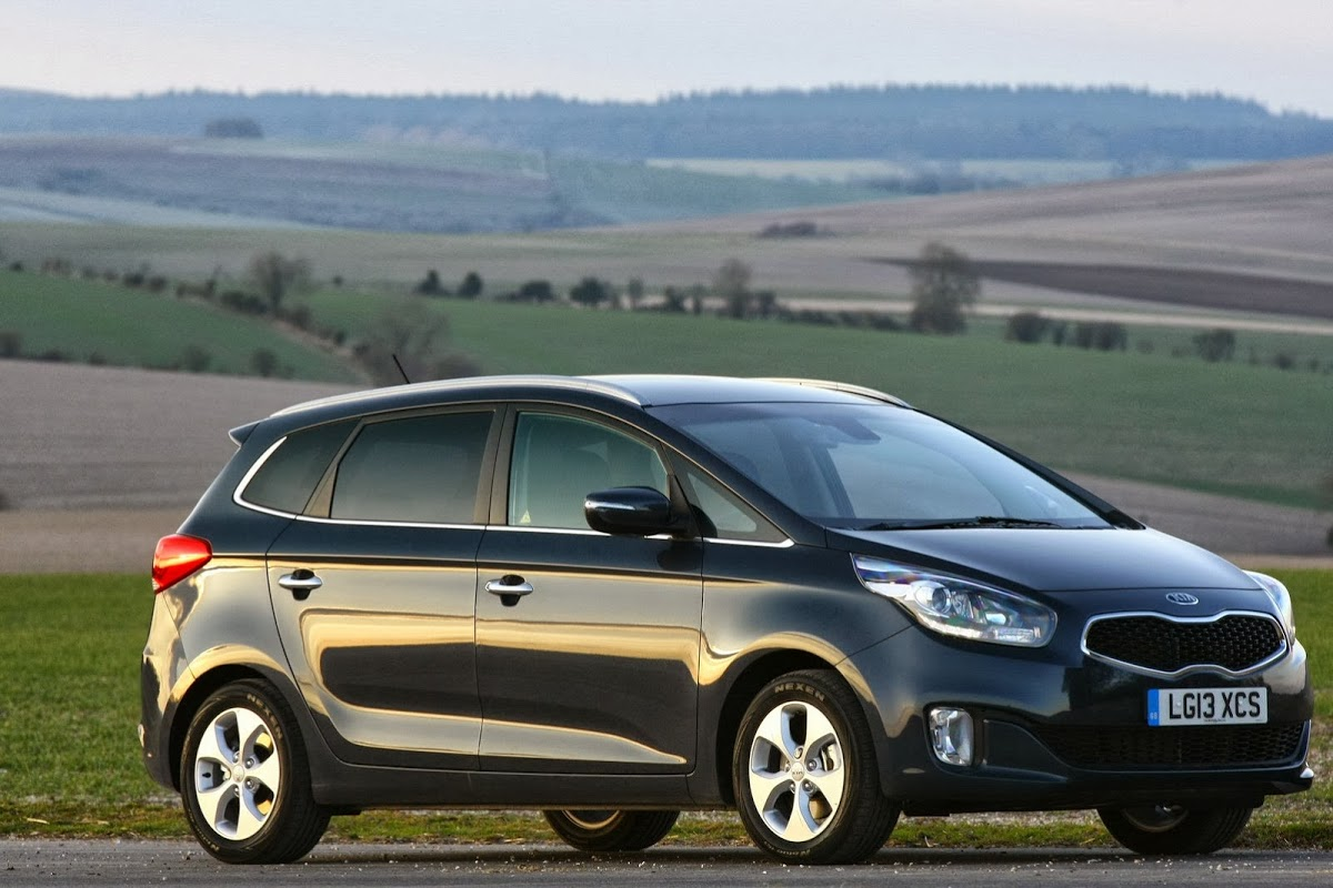 kia enriches carens 39 uk lineup with new top edition carscoops. Black Bedroom Furniture Sets. Home Design Ideas
