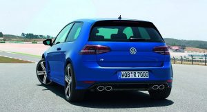 Volkswagen-Golf-R-15