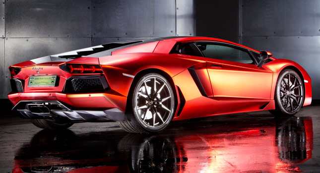 lamborghini aventador matte orange red chrome wrap will cost you as much as a fiesta carscoops. Black Bedroom Furniture Sets. Home Design Ideas