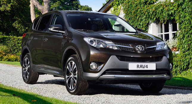 toyota adds new 2 0l diesel awd version to rav4 in europe carscoops. Black Bedroom Furniture Sets. Home Design Ideas