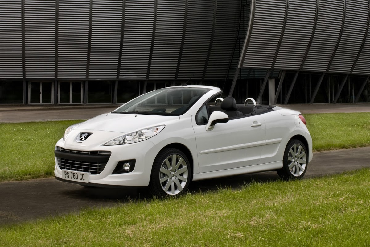 peugeot reportedly preparing 208 cabriolet with soft top roof for 2015 carscoops. Black Bedroom Furniture Sets. Home Design Ideas