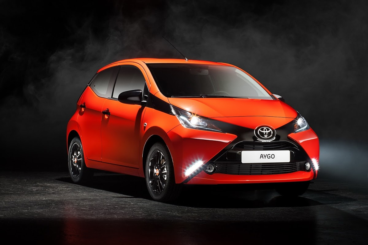 think the new toyota aygo looks better without the x face carscoops. Black Bedroom Furniture Sets. Home Design Ideas