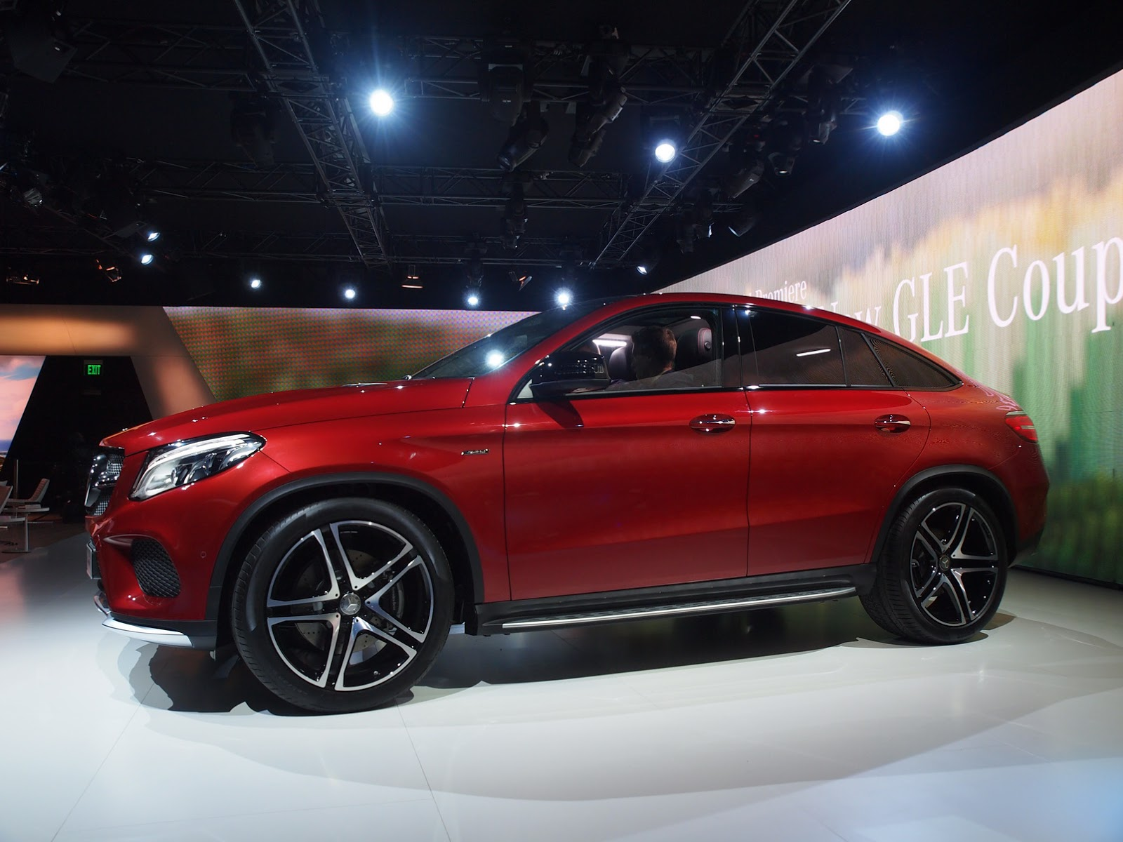 new mercedes gle 450 amg coupe lands in detroit with twin turbo v6 carscoops. Black Bedroom Furniture Sets. Home Design Ideas