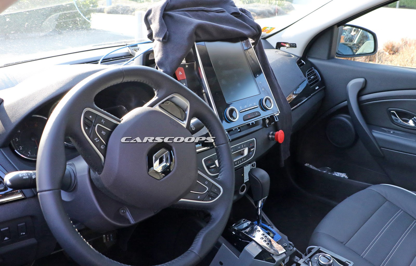 Renault\'s Laguna Replacement Will Have A Tablet-Like Center Console ...