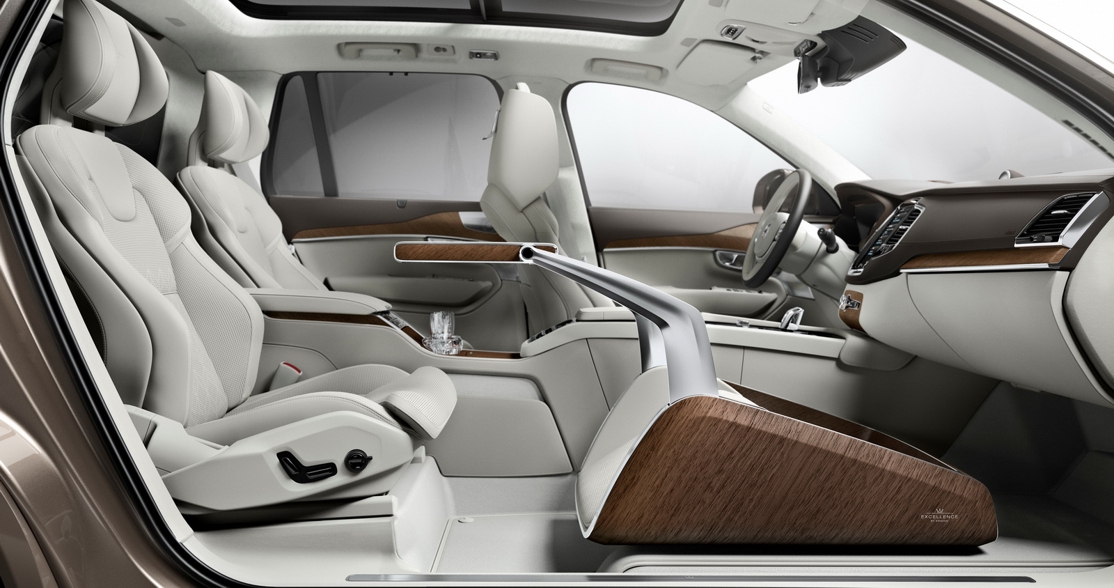 Volvo S Lounge Console Adds First Class Experience To Xc90