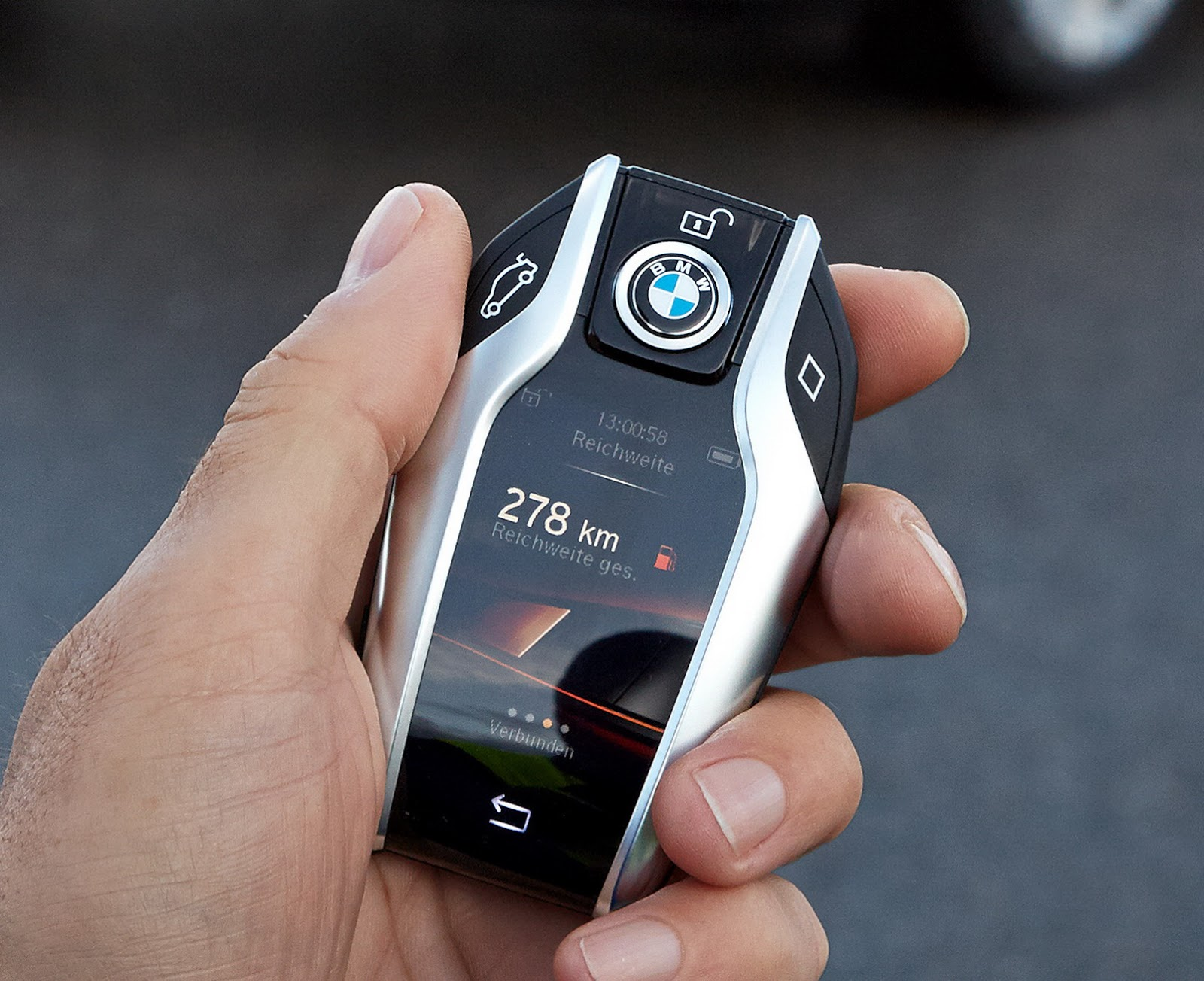 new bmw 7 series has a super cool key fob with a digital. Black Bedroom Furniture Sets. Home Design Ideas