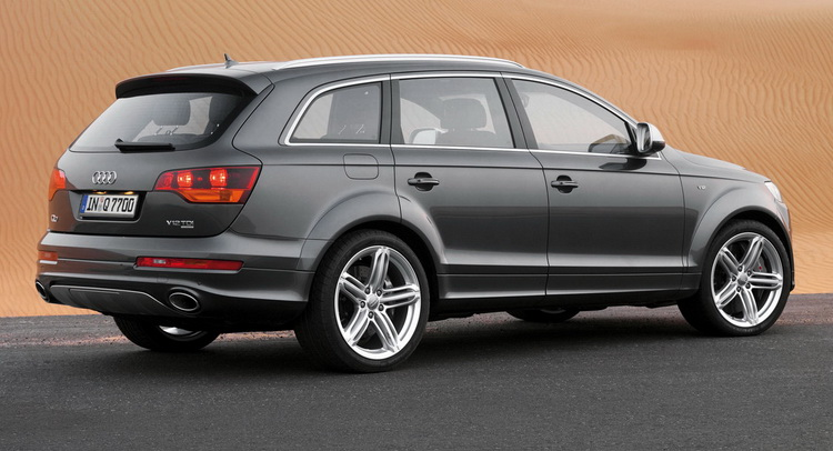 4 reasons why the first gen audi q7 was the ultimate suv carscoops. Black Bedroom Furniture Sets. Home Design Ideas