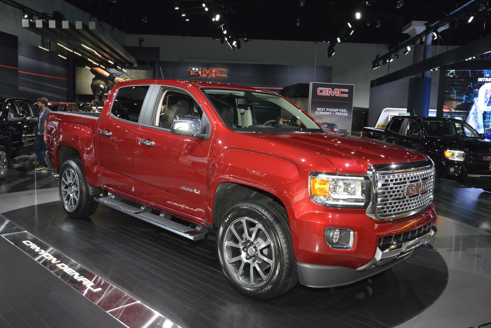 Gmc Canyon Towing Capacity >> GMC Sends 2017 Canyon Denali On LA Auto Show Recon Mission | Carscoops