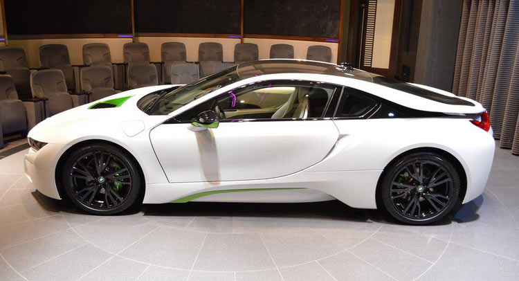 Bmw Abu Dhabi Welcomes White Java Green I8 Carscoops