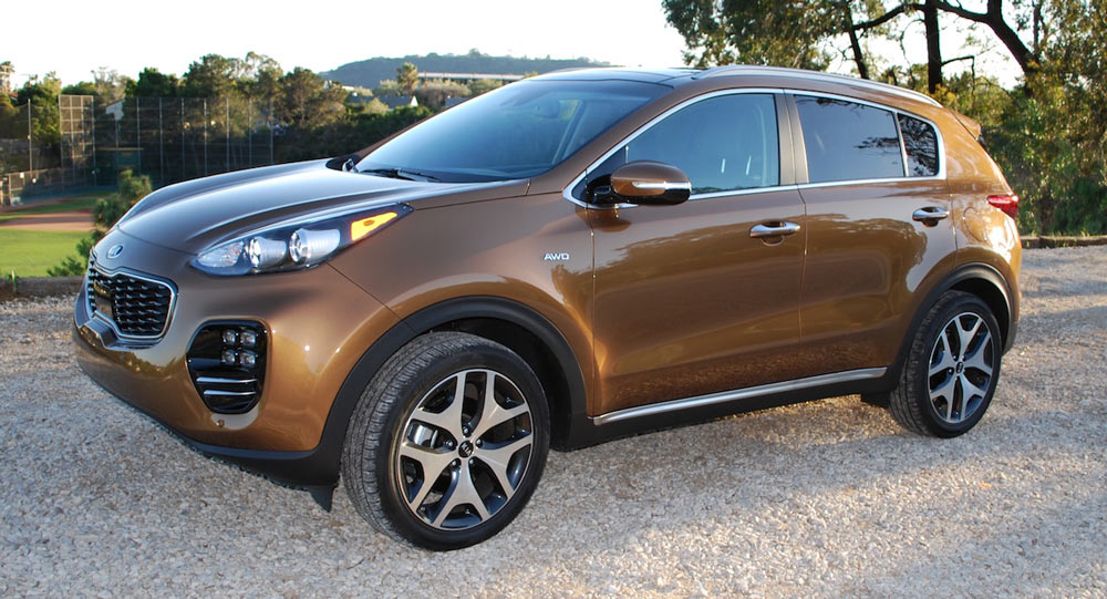first drive kia sportage turbo makes a convincing premium play carscoops. Black Bedroom Furniture Sets. Home Design Ideas