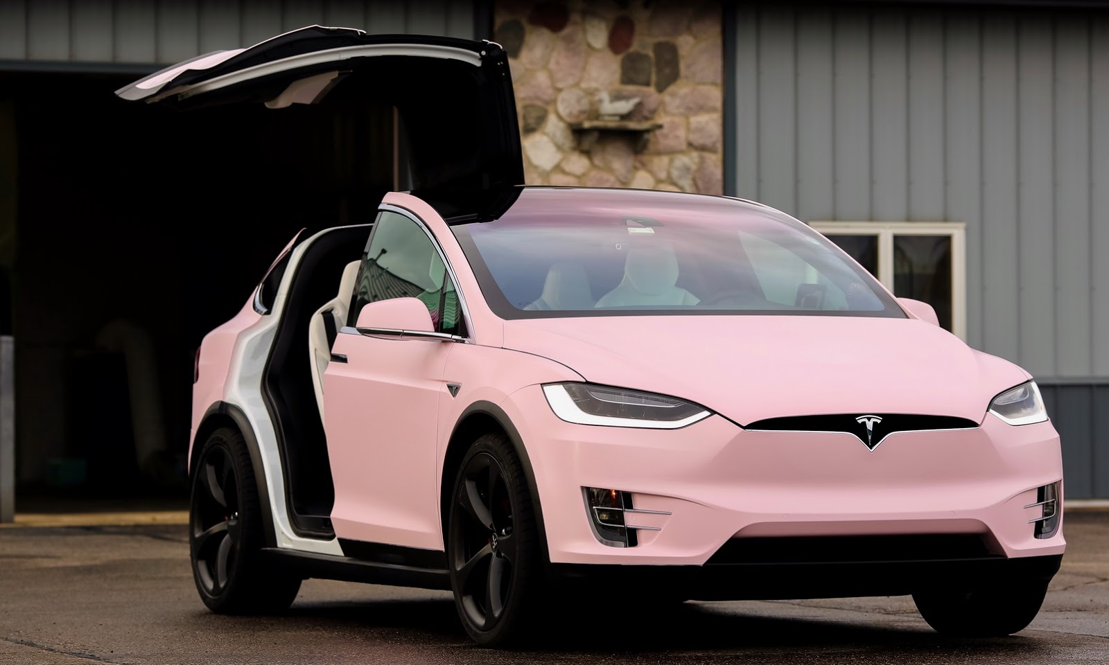 Tesla Resale Value >> This Tesla Model X Owner Really Loves The Color 'Pink