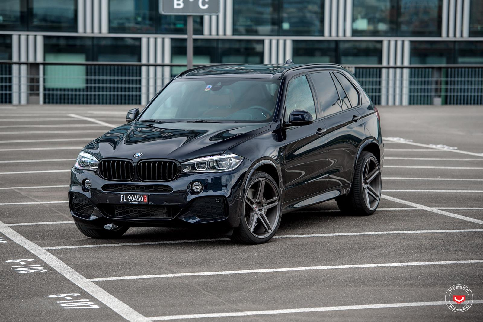 These Custom 22 Wheels Work On Black BMW X5