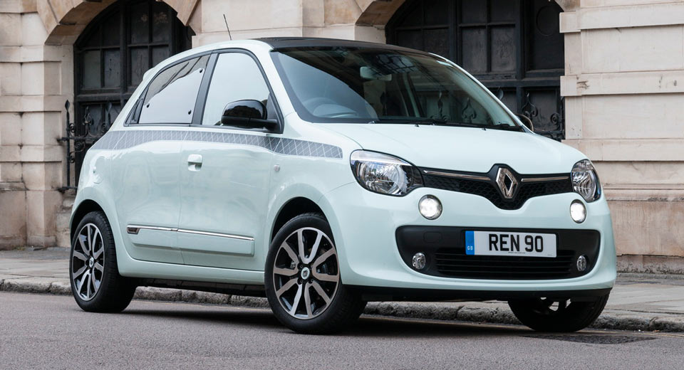 uk 39 s new renault twingo iconic edition will cost you 14 595 carscoops. Black Bedroom Furniture Sets. Home Design Ideas