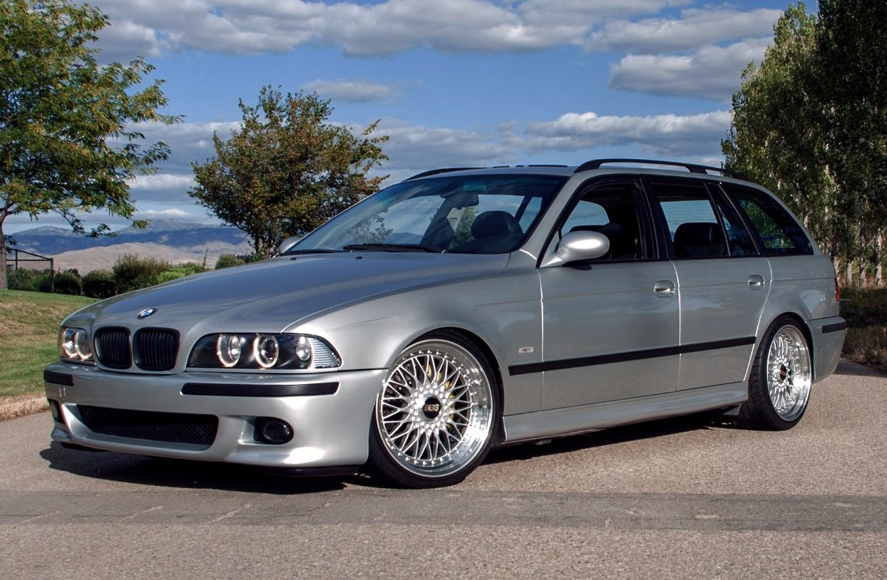 the perfect wagon gto powered e39 bmw 540i touring with a. Black Bedroom Furniture Sets. Home Design Ideas