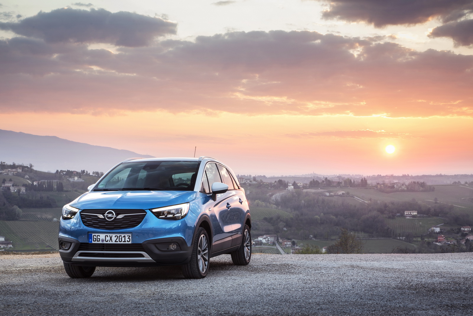 opel crossland x gets new lpg version from 21 200 carscoops. Black Bedroom Furniture Sets. Home Design Ideas