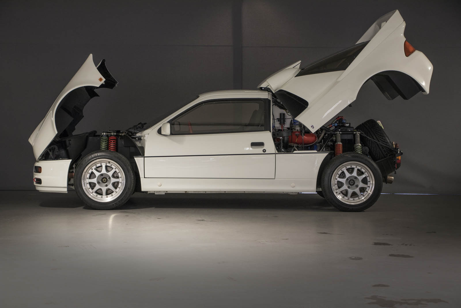 You Can Keep Your Focus RS - We Want This 600 HP 1986 Ford RS200 Evo ...