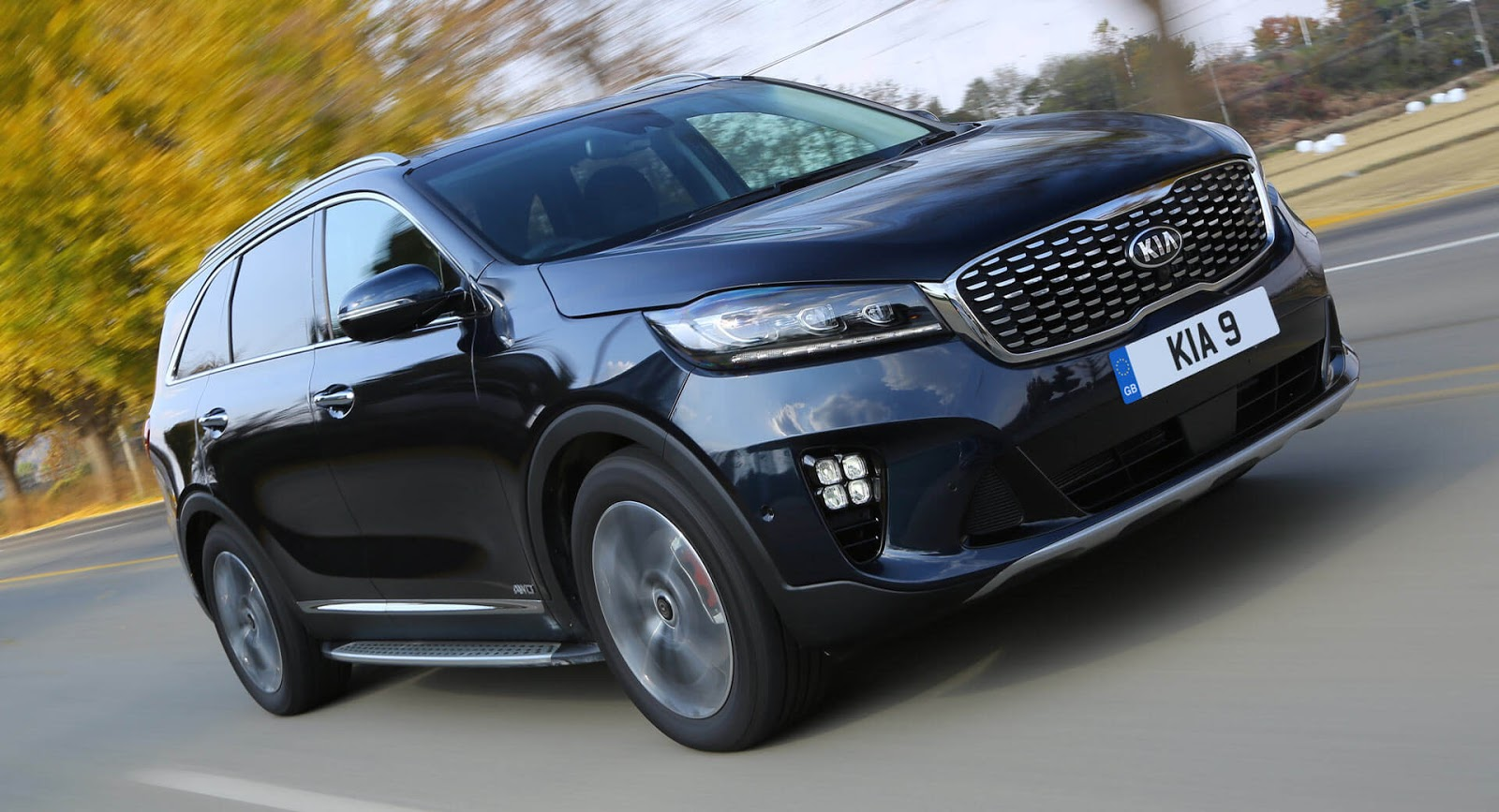 updated kia sorento arrives in the uk with 7 seat layout 28 995 starting price carscoops. Black Bedroom Furniture Sets. Home Design Ideas