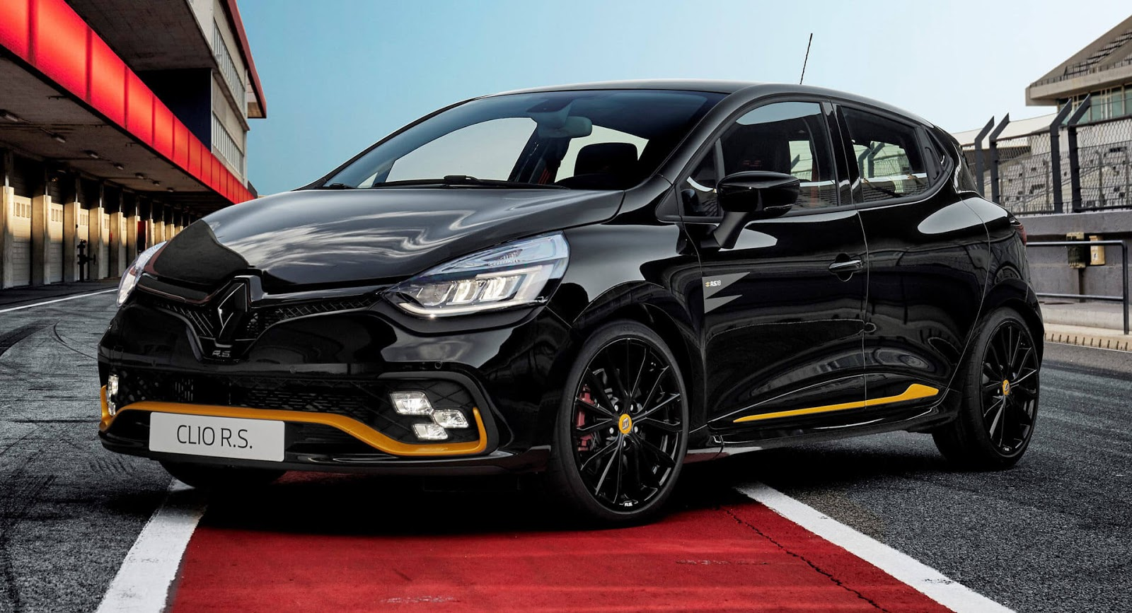 f1 inspired renault clio r s 18 arrives with a mean stance carscoops. Black Bedroom Furniture Sets. Home Design Ideas