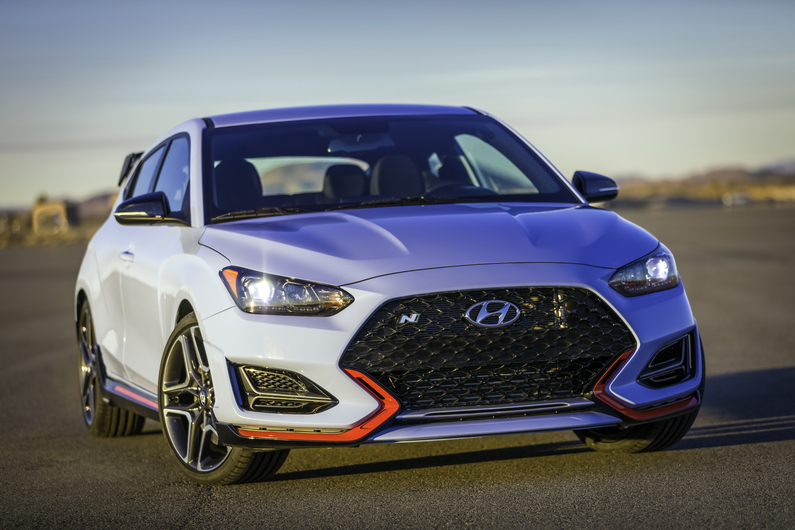 hot hyundai veloster n with 275hp shifts its focus on ford 39 s st carscoops. Black Bedroom Furniture Sets. Home Design Ideas