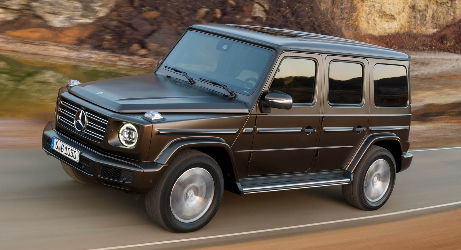 new mercedes g class is already on the 39 used 39 car market carscoops. Black Bedroom Furniture Sets. Home Design Ideas