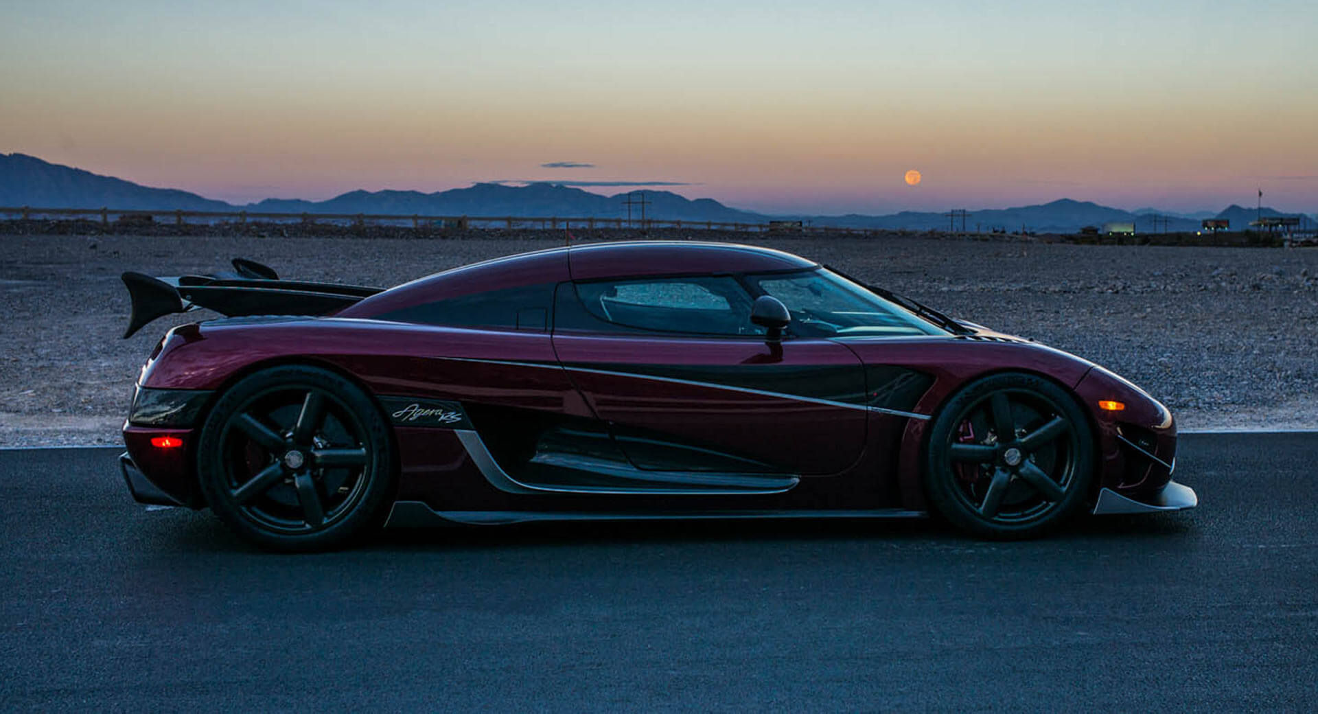 koenigsegg says the agera rs could go 300 mph carscoops. Black Bedroom Furniture Sets. Home Design Ideas