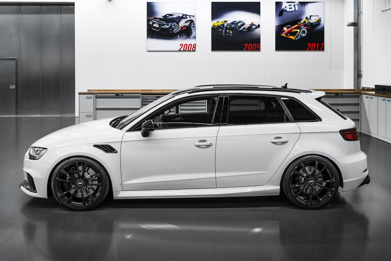 abt 39 s audi rs3 sportback is a 500ps monster hatch carscoops. Black Bedroom Furniture Sets. Home Design Ideas