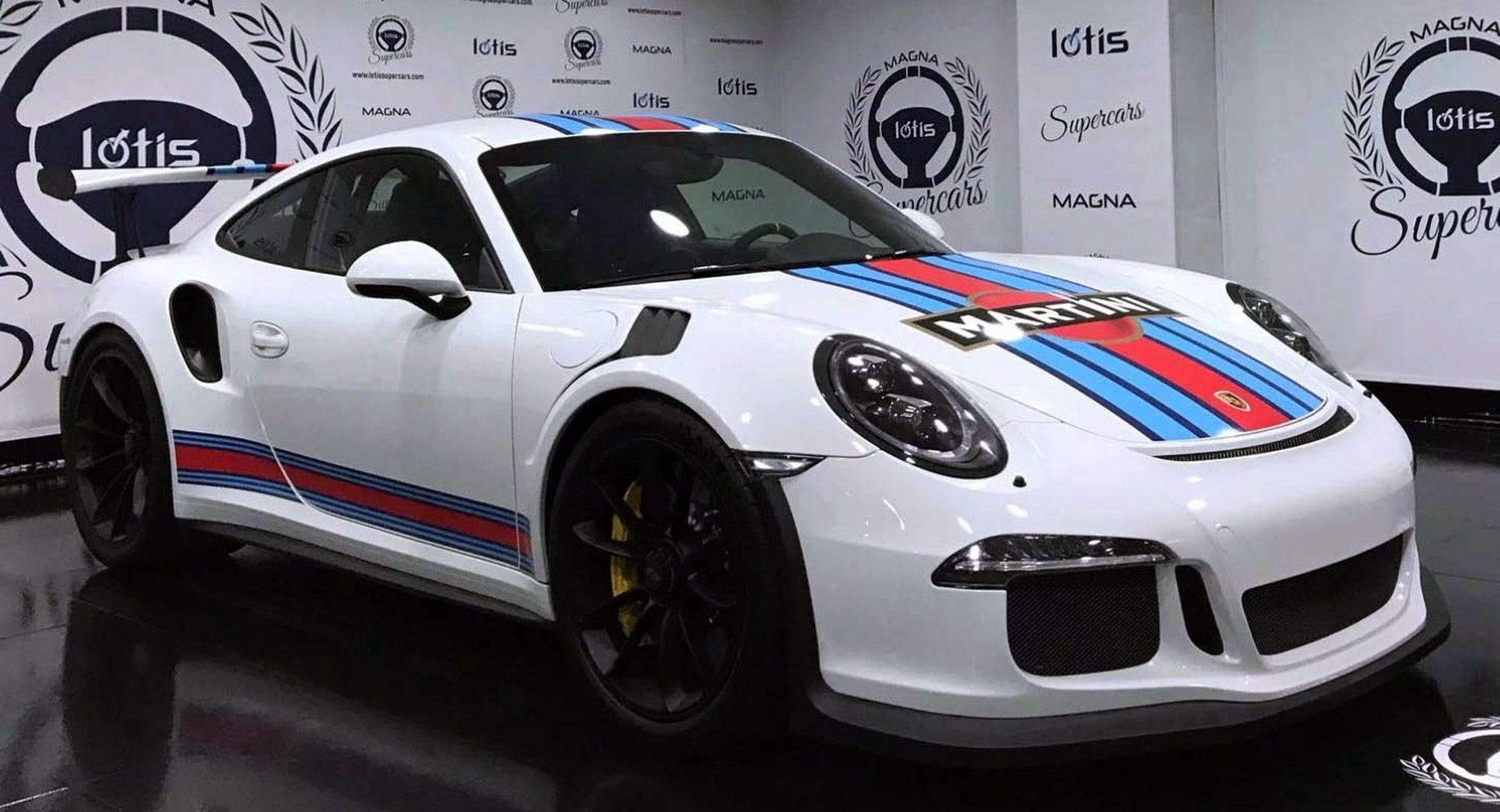 We Ll Take Our Porsche 911 Gt3 Rs With Martini Stripes Thank You Carscoops