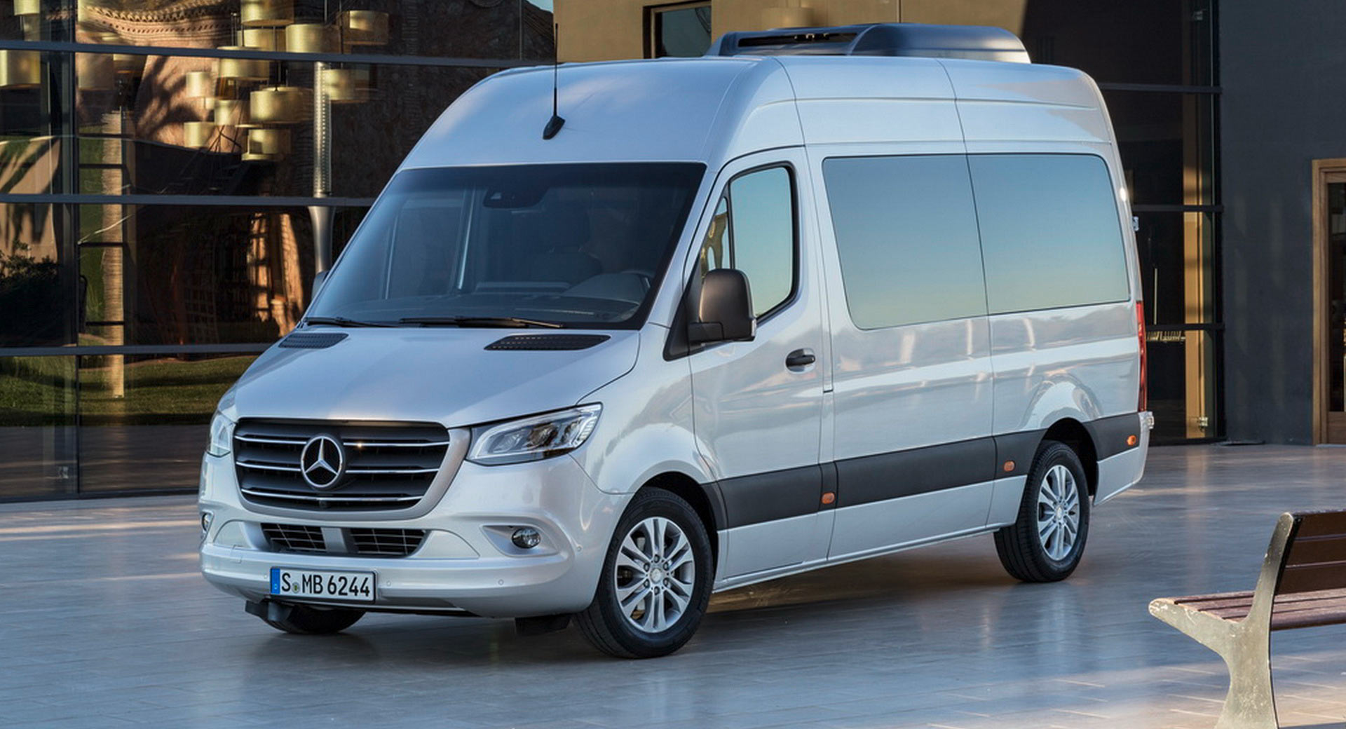 2018 Mercedes Sprinter Here S Your All New Fully Connected Premium Van Carscoops