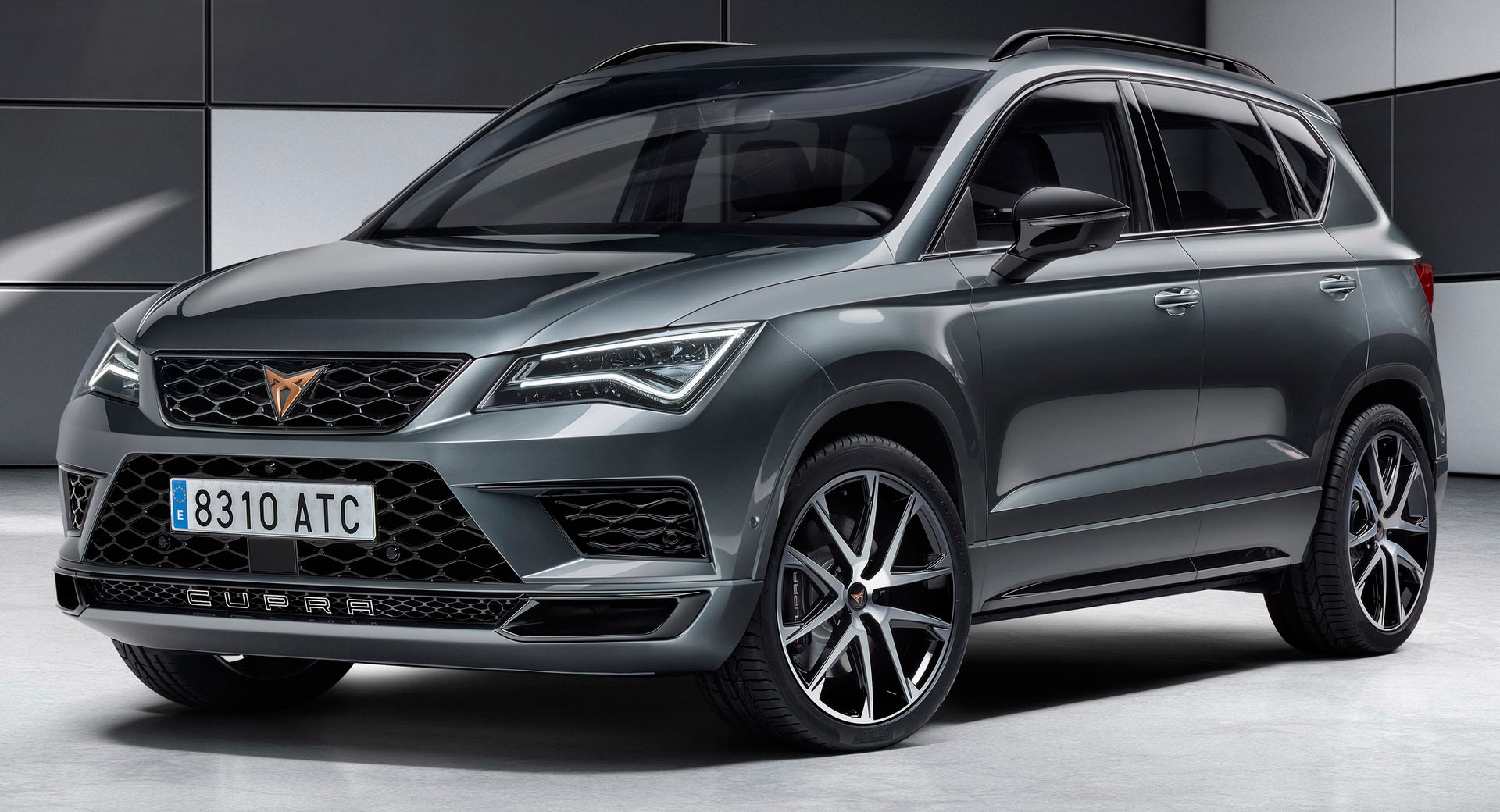 seat launches cupra brand with a 300ps ateca suv carscoops. Black Bedroom Furniture Sets. Home Design Ideas