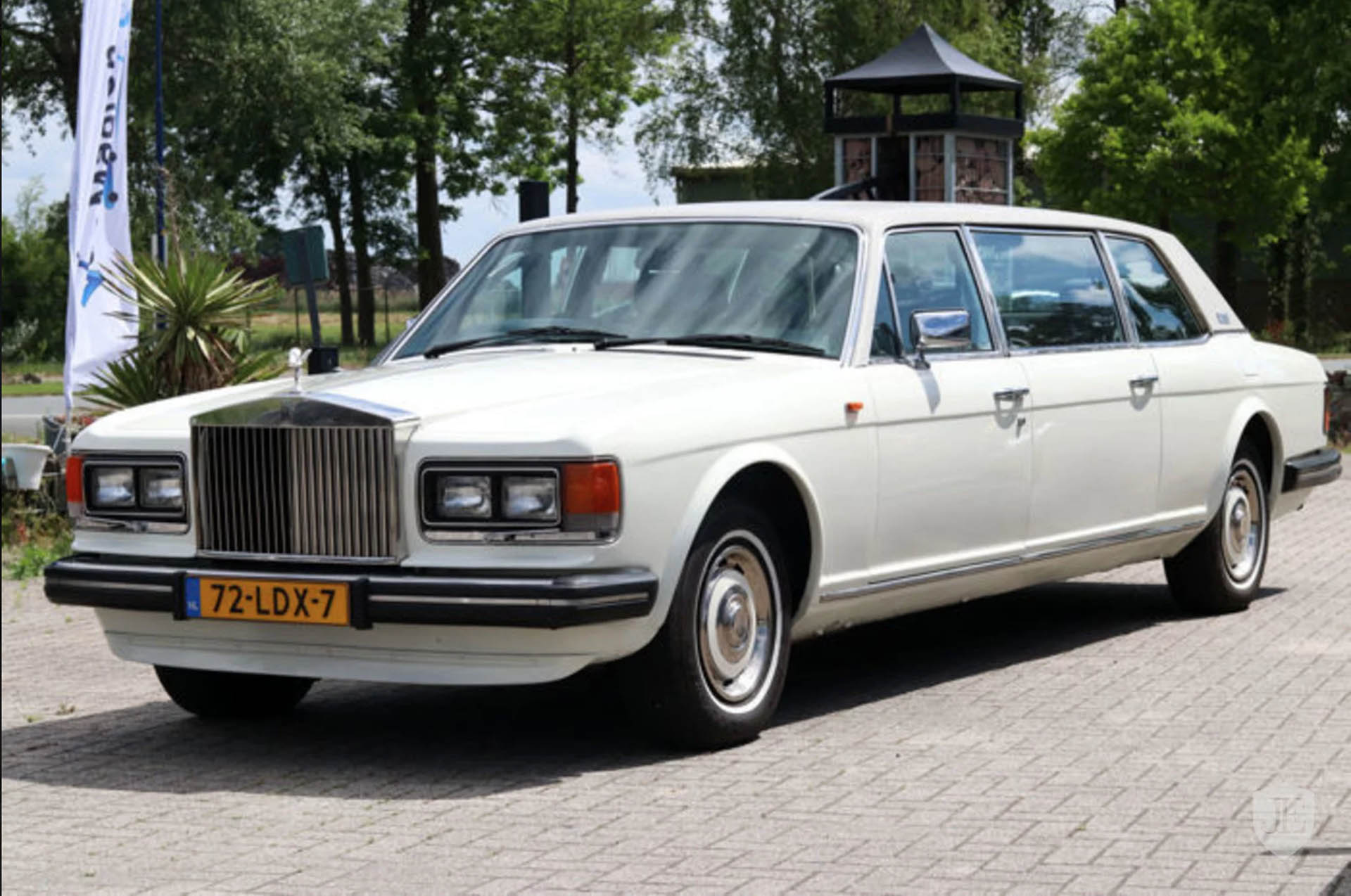 This Old Rolls Royce Limo Won T Cost You A Tenth The Price Of A New One Carscoops