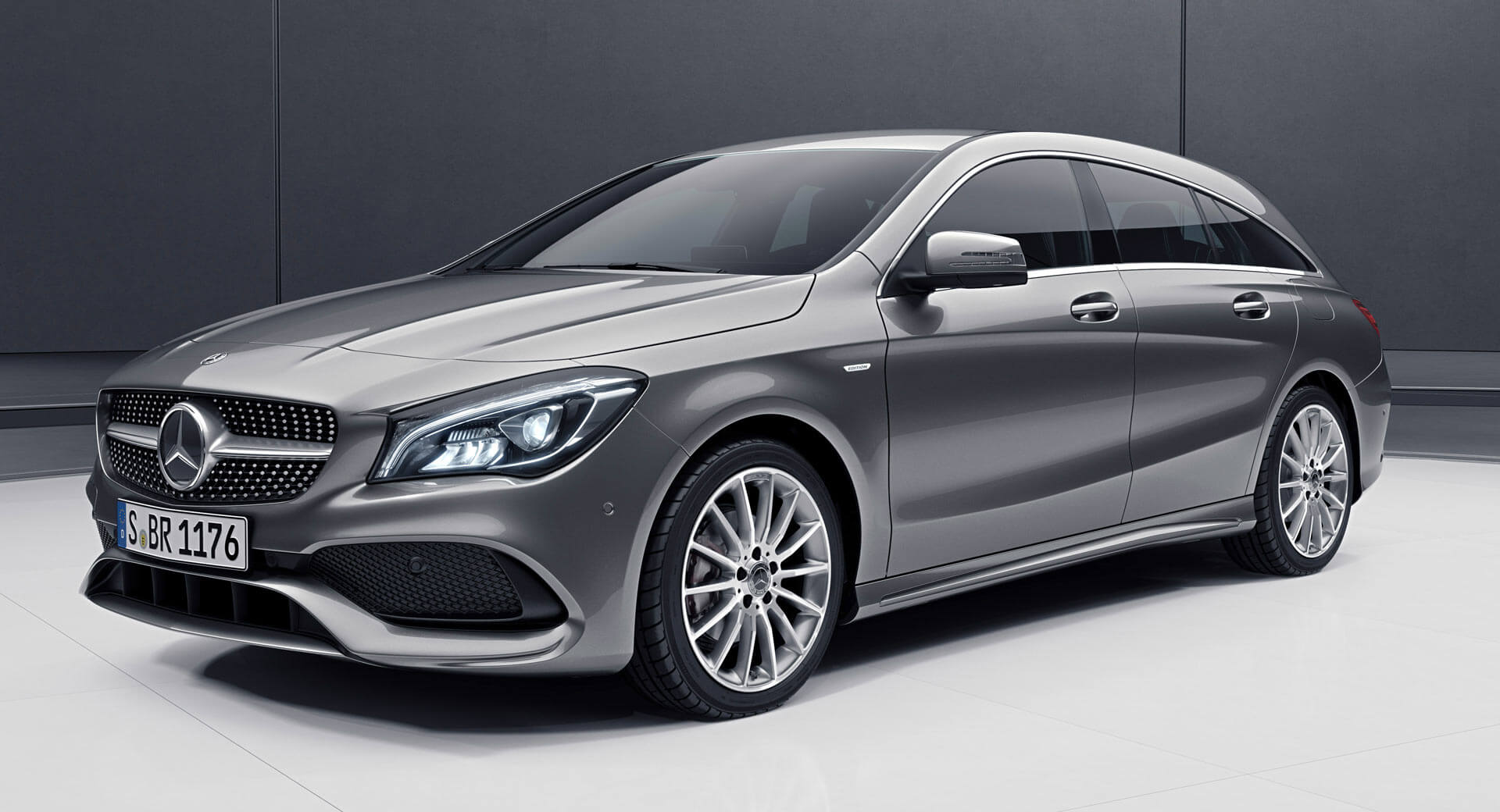 Benz Gla 250 >> Mercedes-Benz CLA Shooting Brake Gains Night Edition Packs | Carscoops