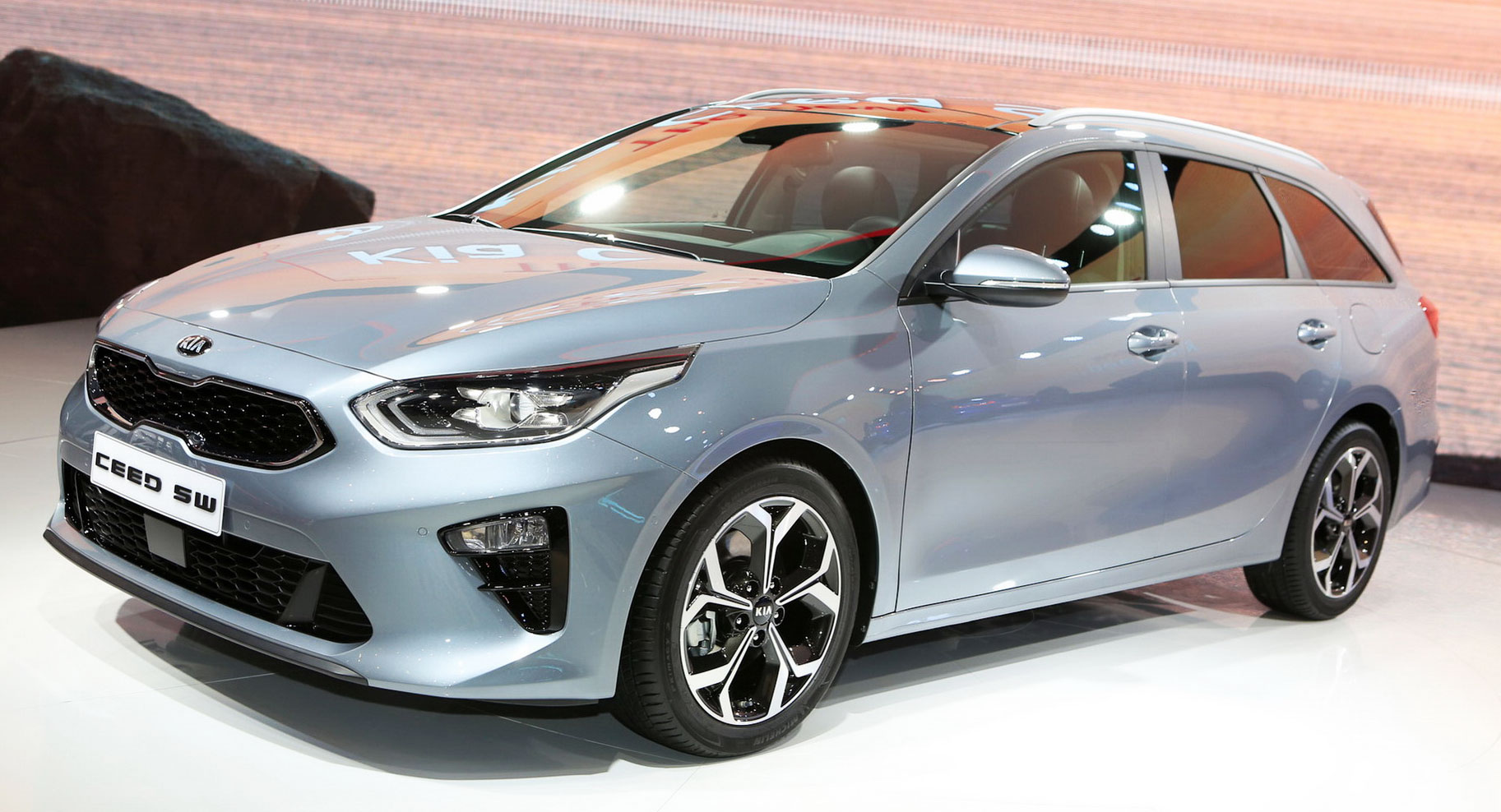 2019 kia ceed sportswagon is more mature has igger booty carscoops. Black Bedroom Furniture Sets. Home Design Ideas