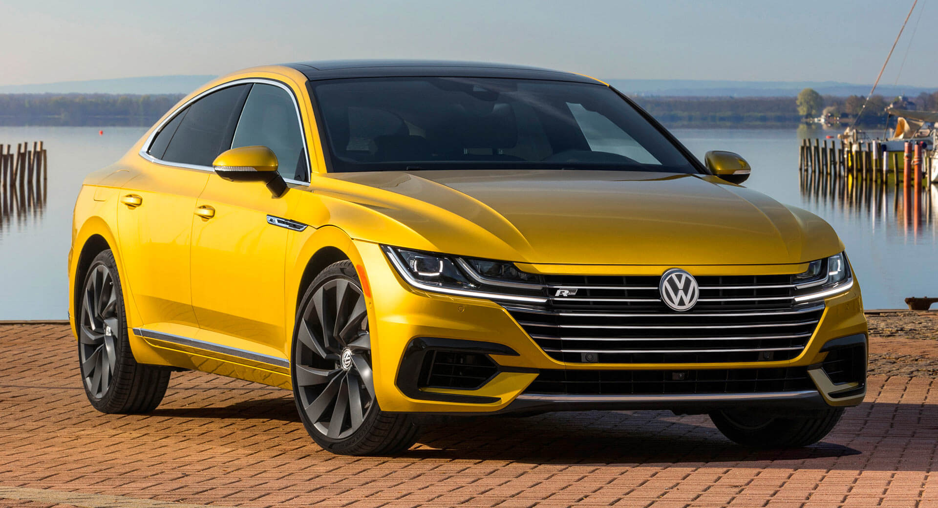 2019 vw arteon gets r line package debuts at ny auto show. Black Bedroom Furniture Sets. Home Design Ideas