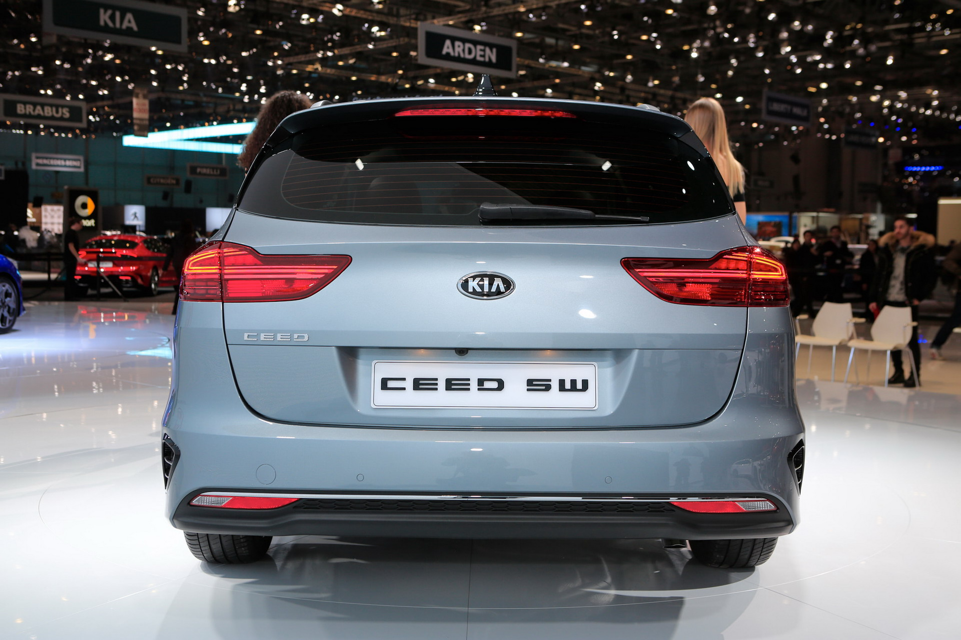 Vwvortex Com 2019 Kia Ceed Sportswagon Revealed In Geneva With Some Very Bmw Ish Taillights