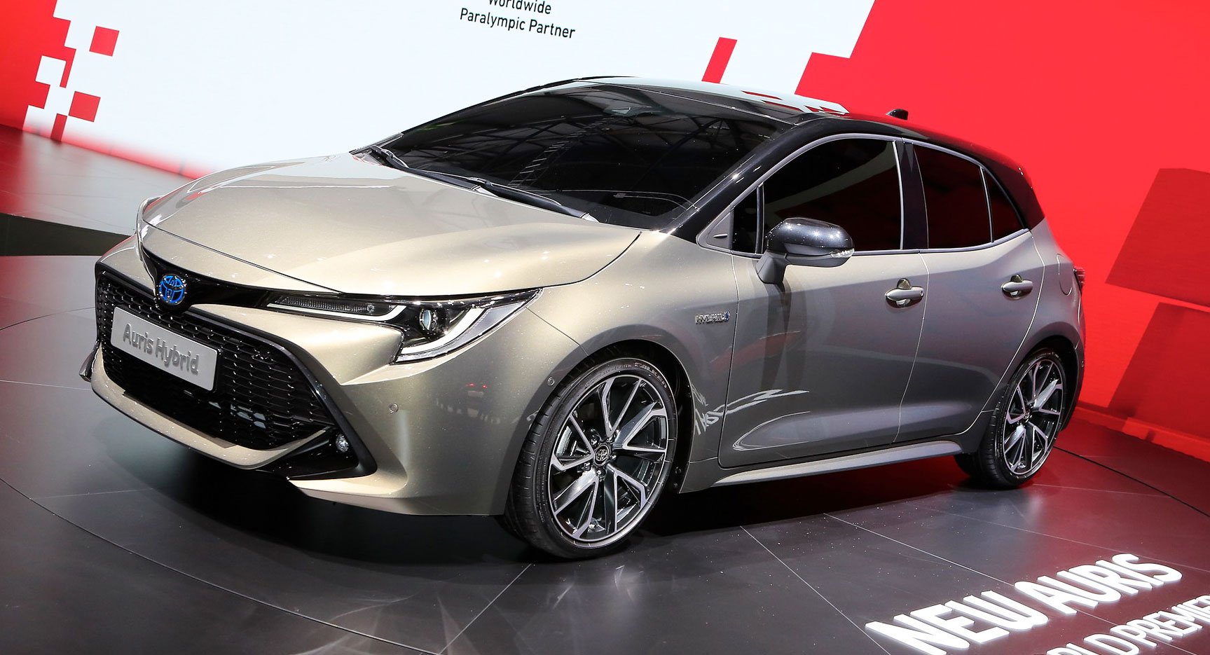 2019 toyota auris says no to diesels debuts new 178hp hybrid carscoops. Black Bedroom Furniture Sets. Home Design Ideas