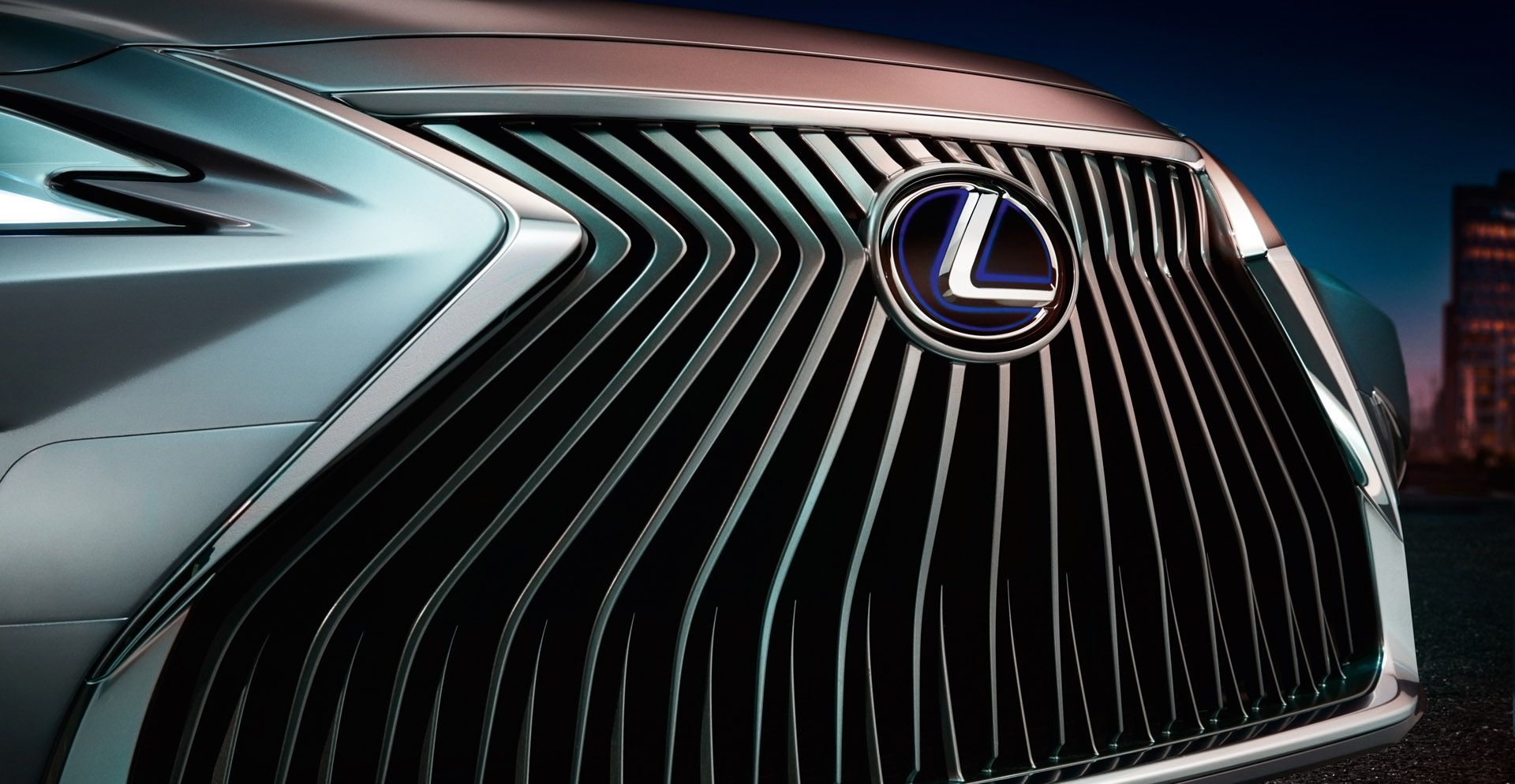 Lexus ES grille revealed in official image