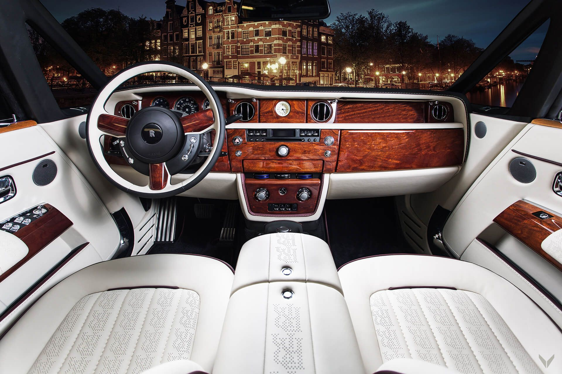 Rolls Royce Phantom Drophead Coupe Interior Brought Back To Life By Vilner Carscoops