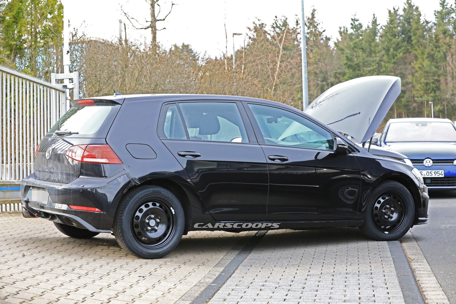 vw-golf-8-test-mule-spy-10-1.jpg