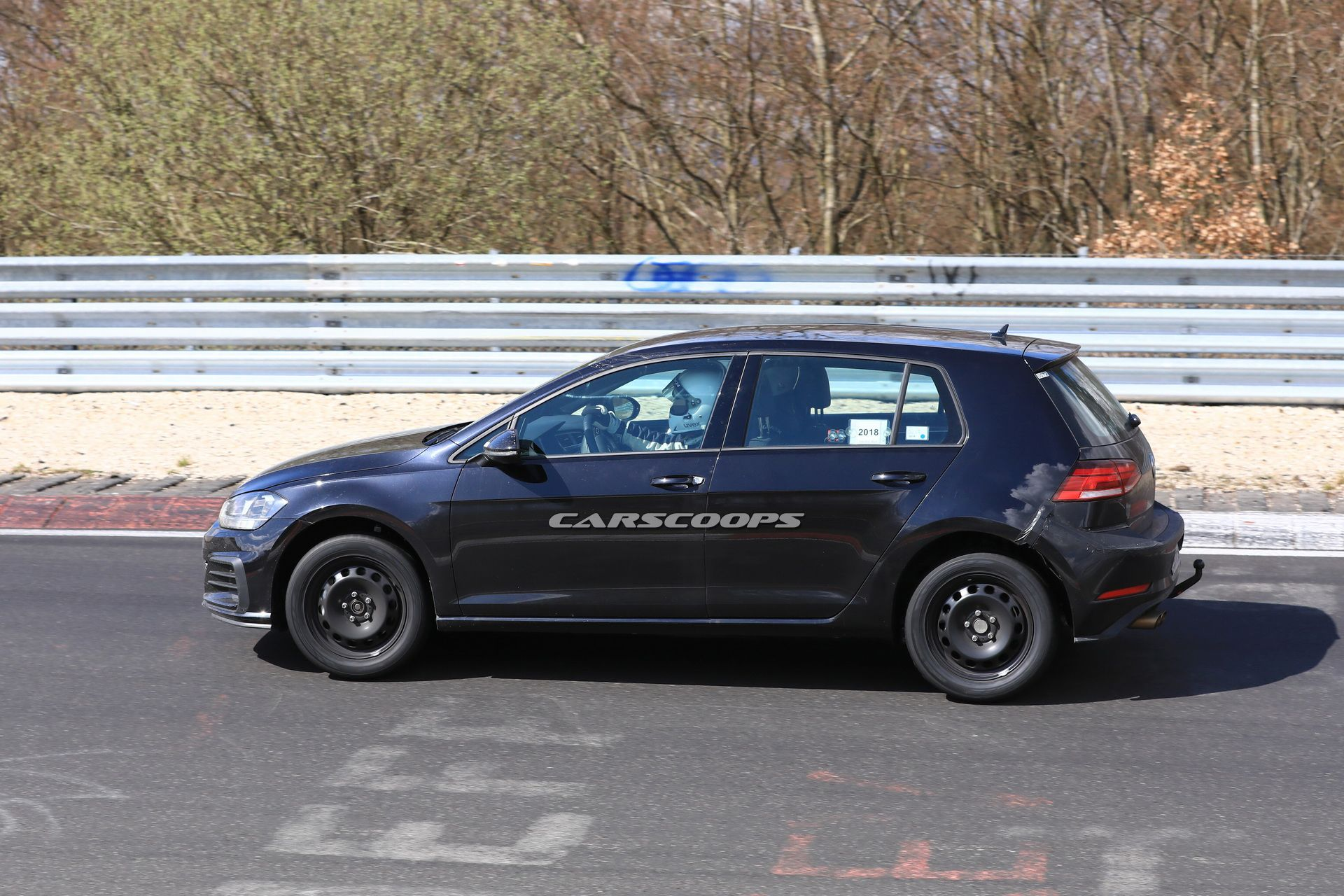 vw-golf-8-test-mule-spy-4-1.jpg