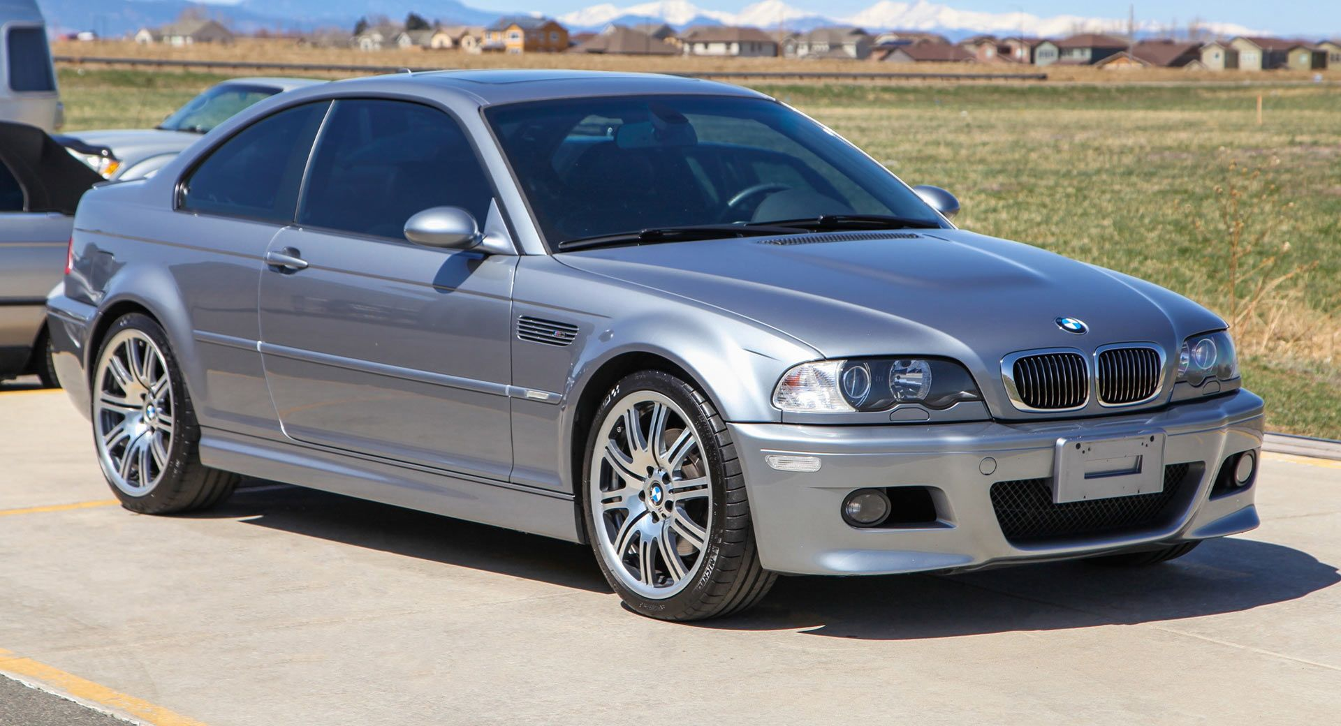 six speed bmw e46 m3 is for the driving enthusiast carscoops. Black Bedroom Furniture Sets. Home Design Ideas