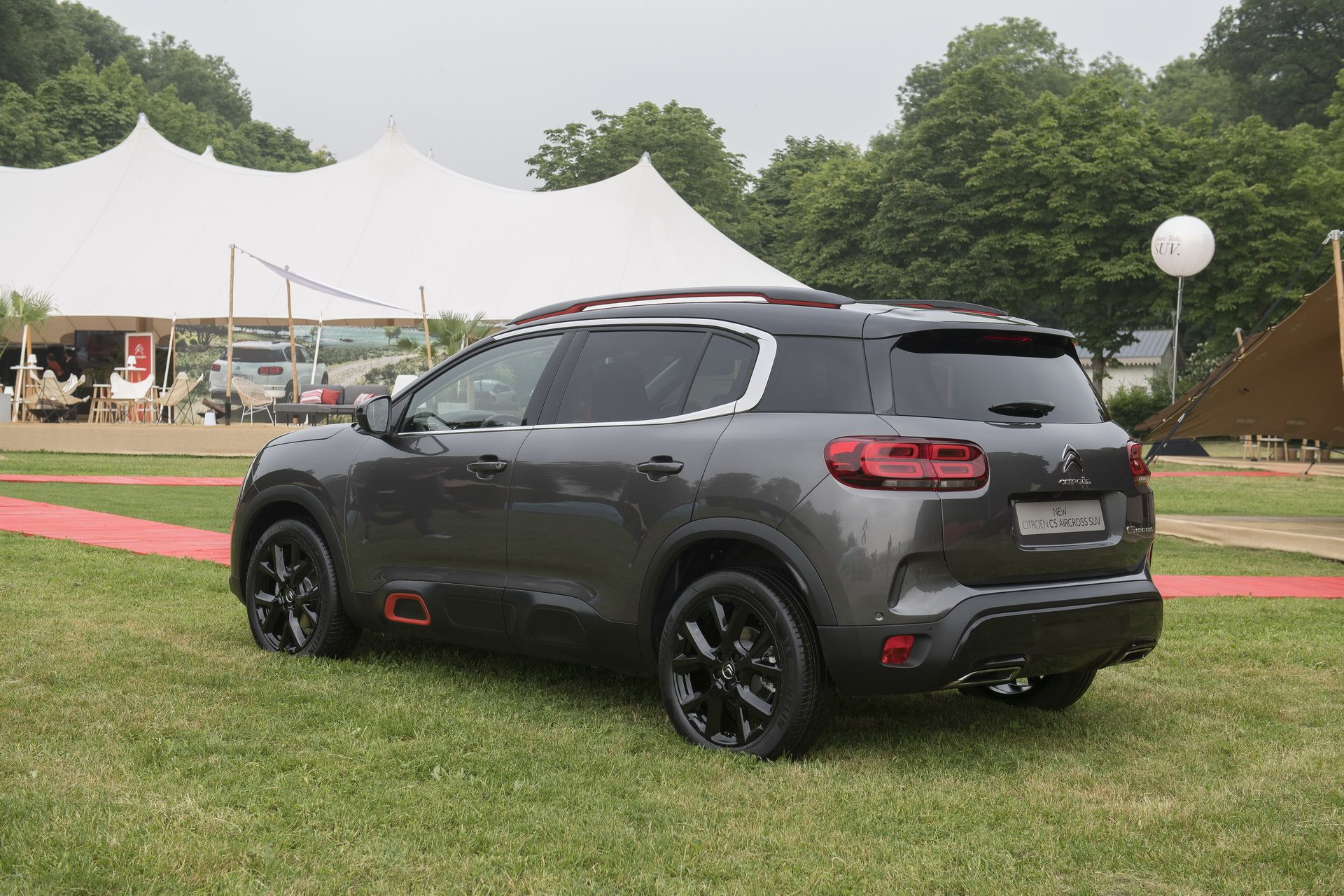 new citroen c5 aircross arrives in europe as the comfiest compact suv carscoops. Black Bedroom Furniture Sets. Home Design Ideas