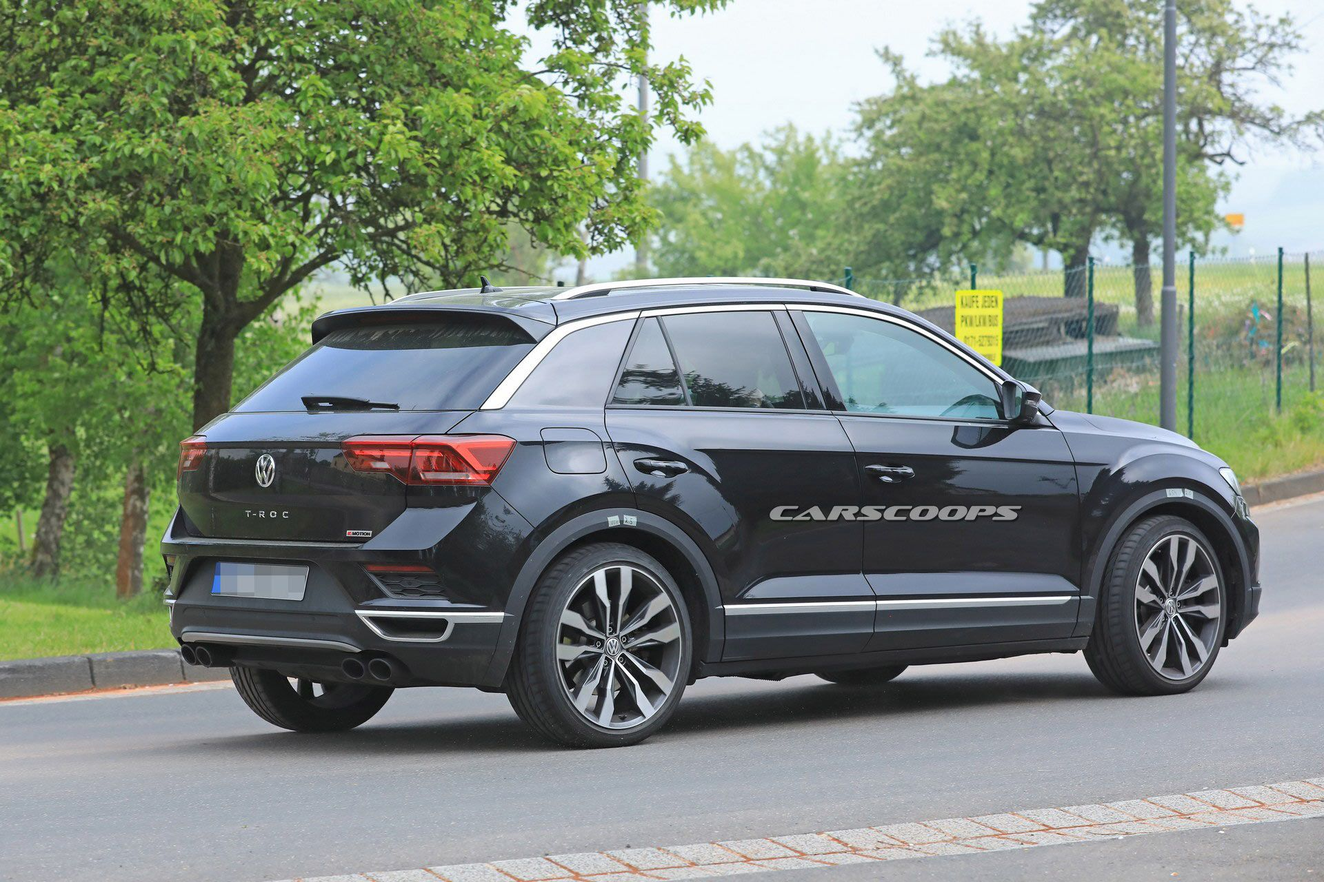 vw t roc r looks like a 305 hp sleeper in latest spy photos carscoops. Black Bedroom Furniture Sets. Home Design Ideas