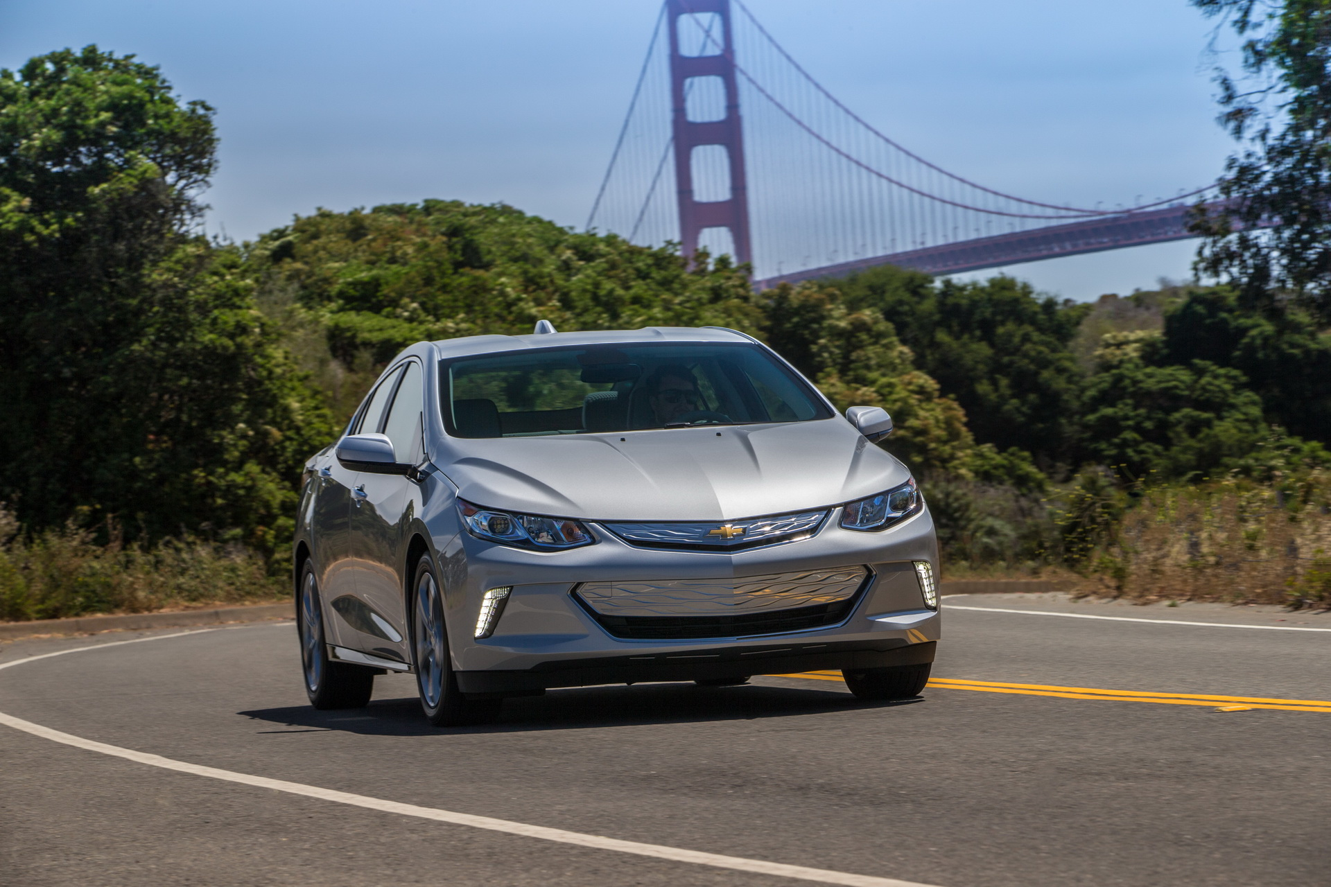 Chevy Volt gets faster charging system for 2019